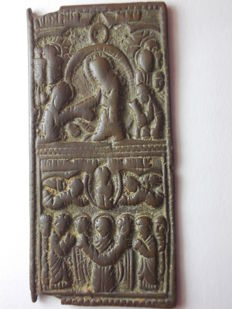 Antique Byzantine bronze icon with Christ, his Apostles and the Holy Spirit carved in relief, 55 mm