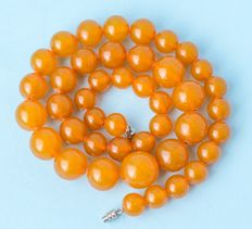 Art Deco Baltic amber necklace, old honey butterscotch amber, 34 gram.