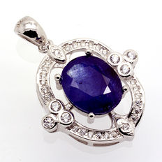 Sterling 925 silver necklace with a large blue sapphire measuring 12 x 10 mm.