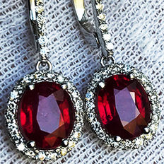 4.68ct Ruby and Diamond Earrings made of 18 kt white gold - NO RESERVE -