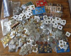 World – Batch of various coins and coin sets (approx. 8 kg).