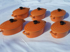 """Beautiful lot of 6 ceramic OVEN BOWLS with lid __ """"LBP Magnet design 2009''"""