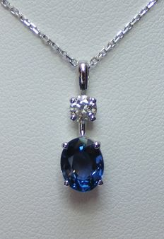 Necklace and pendant in 18 kt gold with one large diamond and natural blue VVS sapphire of 2.23 ct - 2 laboratory certificates - chain length 40 cm - no reserve price
