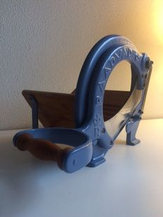 Raadvad vintage bread/cheese slicer - Denmark, 2nd half of the last century