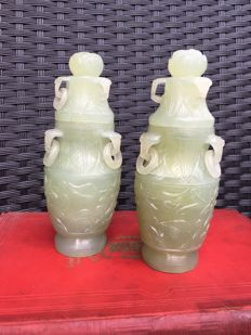 Pair of vases in sculpted serpentine - China - second half of the 20th century.