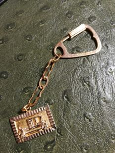 18K Gold vintage car keyring with Ford T vintage car pendant, ca. 1950's