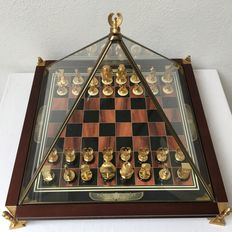 Franklin Mint - The King Tutankhamun Egyptian Chess Set - Heavy 24 carat gold-plated - flawless