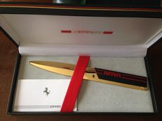 Ferrari paper knife with engraved logo + case