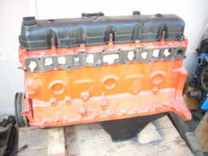 Engine for Jeep, 6 cylinders, 4.2 cc