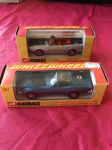Corgi Toys - Schaal 1/43 - Chevrolet Corvette Stingray Coupe No.387 en Pontiac Firebird No.343