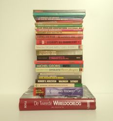 WW II; Lot with 23 various books - 1977/2001