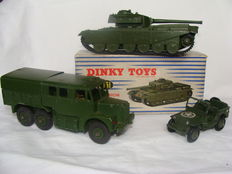 Dinky Toys - Scale 1/43-1/48 - Lot with Centurion Tank No.651, Jeep (USA) No.153 and Medium Artillery Tractor No.689