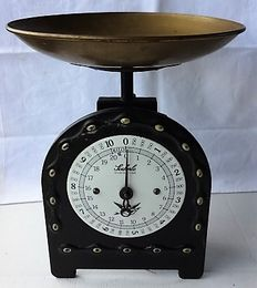 Old Soehnle kitchen weighing scale with weighing capacity up to 10 kg - metal, copper