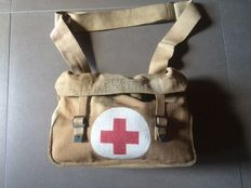 Medic bag Great Britain with contents