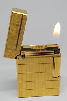 ST Dupont gold plated lighter - Paris.