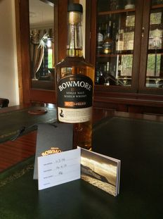 Bowmore Distilled 1999 - Hand Filled at the Bowmore distillery in 2017