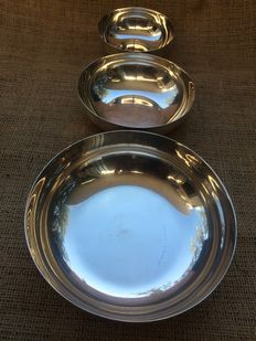 Set of Christofle tableware, 3 different sized bowls, 1935-1983, France