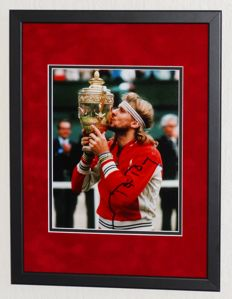 Bjorn Borg origineel gesigneerde foto - Premium Framed + Certificate of Authenticity