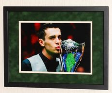 Mark Selby original signed Photo - Premium Framed + Certificate of Authenticity