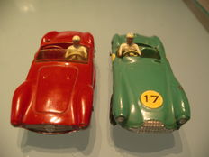 Dinky Toys-France - Scale 1/43 - 2 racing cars: Maserati Sport 2000 No.22a and Aston Martin DB 3 Sport No.506
