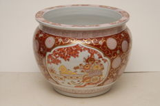 Large hand-painted Chinese decorative pot/cache-pot - China - 2nd half of the 20th century