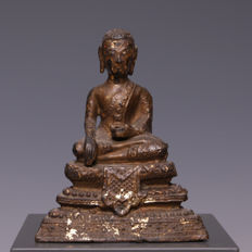 Beautiful, seated, gold-plated bronze Buddha – Thailand – late 19th century.