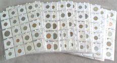 World – Batch of various coins (441 pieces) in coin holders and coins sheets
