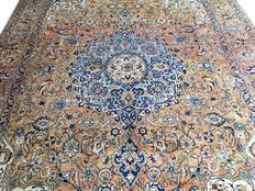 Splendid handmade oriental carpet: Antique Tabriz 410 x 290 cm circa 1930!