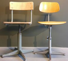 Friso Kramer for Ahrend de Cirkel, manufacturer unknown - Industrial drawing table chairs
