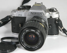 Nikon FG incl  Sigma Zoom 3.5-4.5/28-70 mm