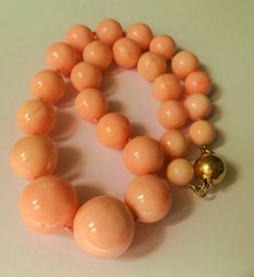 Mediterranean coral statement necklace – large beads, angel skin colour