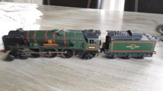 "Hornby Dublo 00 - 2235 - steam locomotive ""West Country"" class Barnstaple of the BR"