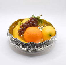 Perfectly designed fruit bowl, international hallmarked 900