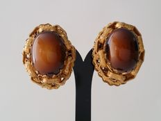 MIRIAM HASKELL Gold Tone Brown Cabochon Clip On Earrings