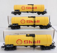 Märklin H0 - 4756 - Three 4-axle tank carriage for mineral oils of Shell