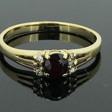 18 kt gold cocktail ring with natural diamonds and garnet of 0.20 ct, no minimum price