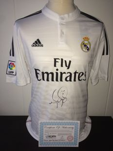 Marcelo / Real Madrid - Hand signed by Marcelo, Home Shirt 14/15 in Luxery Box + COA.