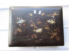 Lacquer box with games, China, end 19th / early 20th century