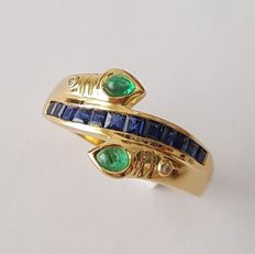 18 kt yellow gold with sapphires and emeralds