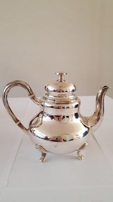 Silver Tea pot, Kern.