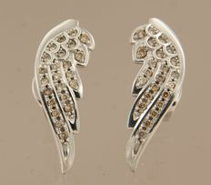 18 kt white gold ear studs set with 46 brilliant cut diamonds, approx. 0.46 ct in total ***no reserve price***