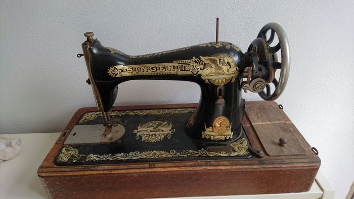 Antique Singer 40 K Sewing Machine With Wooden Cover 1940 Catawiki New Sewing Machine Vintage Singer