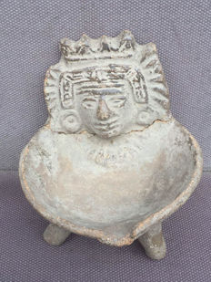 Pre-Colombian oil lamp Maya culture - 11 x 10.5 cm
