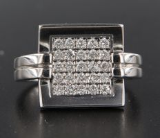 18 kt white gold ring set with 25 brilliant cut diamonds, aprpox. 0.50 carat in total ***no reserve price***