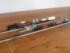 Märklin H0 - 3000/7390/7190 – Tender locomotive BR 89 of the DB, with M-rails, crossing and 7 carriages