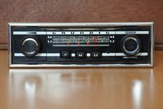Grundig Weltklang 2000a classic car from 1968 with AM and FM