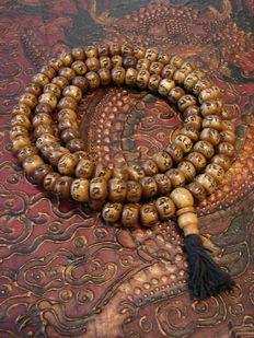 Mantra prayer mala of Yakbeen - Tibet / Nepal - 21st Century