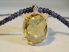 Sapphire necklace (75ct.) with large citrine pendant (10ct.)