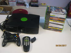 Nice complete original Xbox incl 1 controller and one remote and 15 games.