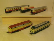 Lima H0 - 218218 /218217 - 2 diesel locomotives BR218 of the DB, 1 tank carriage and 2 passenger carriages